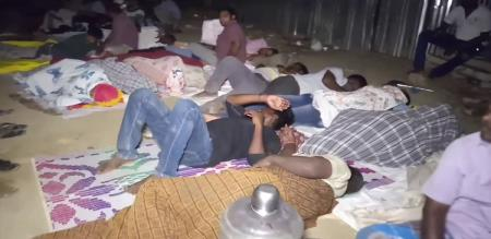 parents sleep in school for his child admission