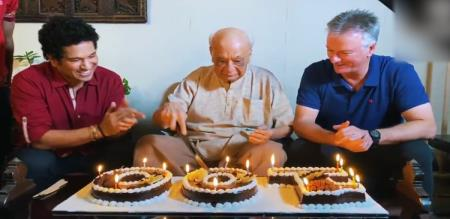 former indian cricketer celebrate his 100th birthday with sachin