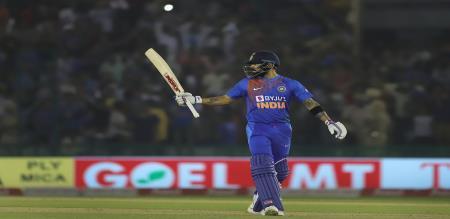 virat kohli half century helps India easy win against south Africa