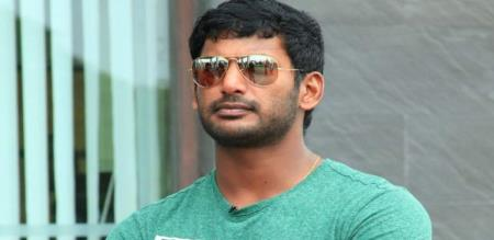 vishal get small accident in shooting spot